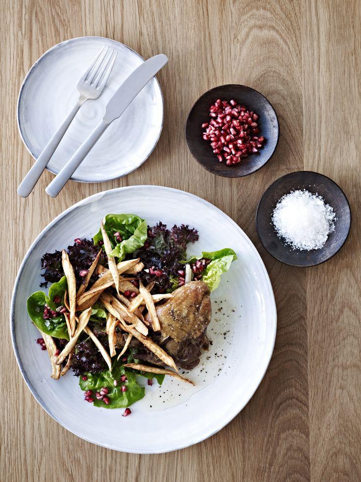 Frokost eller aftensmad - du bestemmer. Det er fransk, det er dejligt og ovenikøbet fantastisk nemt. Nyd den dejlige smag af mørt andekød og sprødt skind.