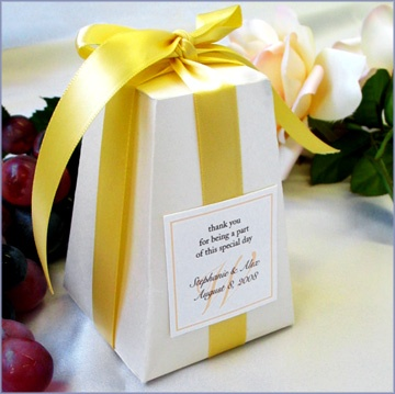 196 Best Wedding Favours Images On Pinterest Wedding Favours Marriage And Party Favours