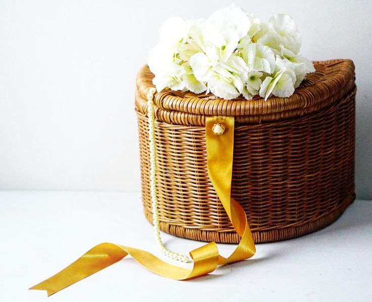 Half round rattan basket   #wedding #hampers #rattanbasket #wrapping #packaging #decoration