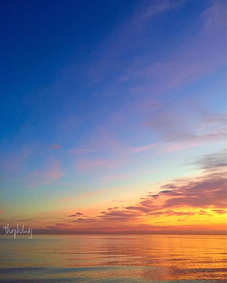"""A gentle awakening"" Alba sulla spiaggia di Rimini - Instagram by thephilodj"