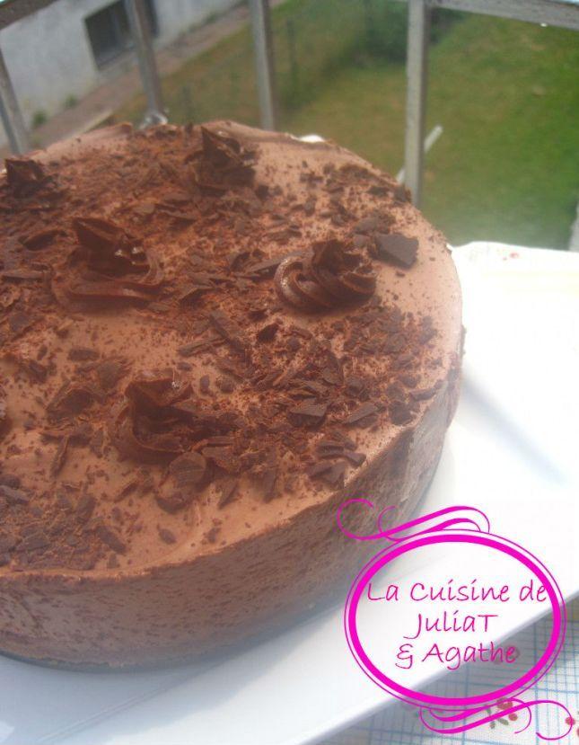 Vous n'avez pas goûté THE gâteau mousse au chocolat qui nous rend raide dingue!