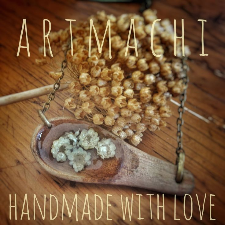 Wood's spoon and little daisies!  👐❤Handmade jewel created with natural elements 🌾🍁🌻🌱 A kind of unique ✨Amulet✨ that you can wear everyday to keep always with you the 🌿Power of Nature🌷! Handmade with L❤ve by ✨ARTmachi✨ 👁Come to visit my profile👁 and follow me! You can find me also on Pinterest http://pin.it/ZSOBpDL  Etsy http://etsy.me/2jhO77g Facebook https://www.facebook.com/artmachi23/