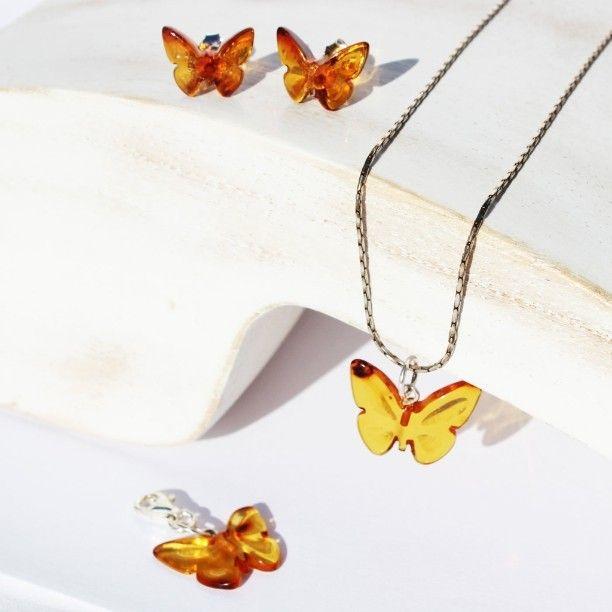 Amber Butterflies. Missing summer days. #missingsummer #butterflies #etsyamberparadise #etsy #butterflystuds #butterflypendant #butterflycharm #ambercarvings #amberbutterfly #ambercharm #ambersummer #loveamber