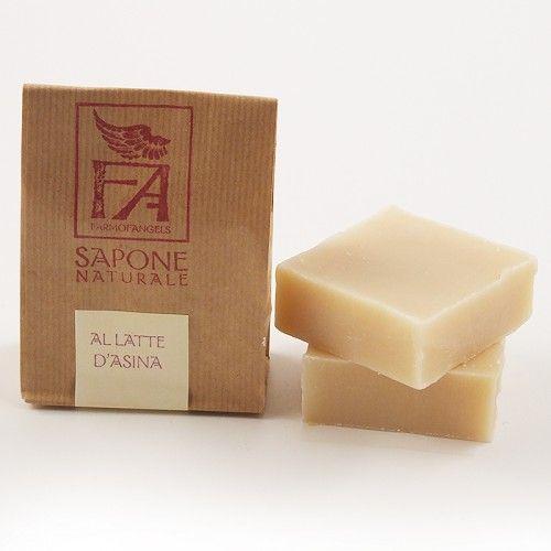 Sapone Naturale al Latte D'Asina Il sapone naturale con latte d'asina al 10% rende la pelle morbida ed elastica. I preziosi acidi grassi del latte d'asina fresco proteggono le membrane delle cellule cutanee. Adatto a tutte le pelli in particolare per le pelli sensibili. 80% olio di oliva. 10% latte d'asina Per viso e corpo. - See more at: http://www.armonieviola.com/store/sapone-naturale-al-latte-di-asina#sthash.ATmDjAqc.dpuf