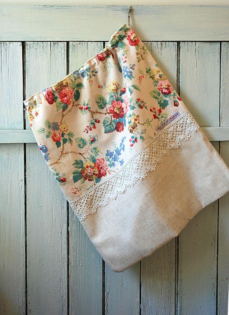 Sac à linge, sac à chaussures, sac range tout, fleuri, tissu ancien, coton, dentelle : Textiles et tapis par aufildantan