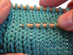 Genialer Trick, die Maschen einer Reihe wieder perfekt auf der Nadel zu haben, wenn man mal ein Stück aufribbeln muss!