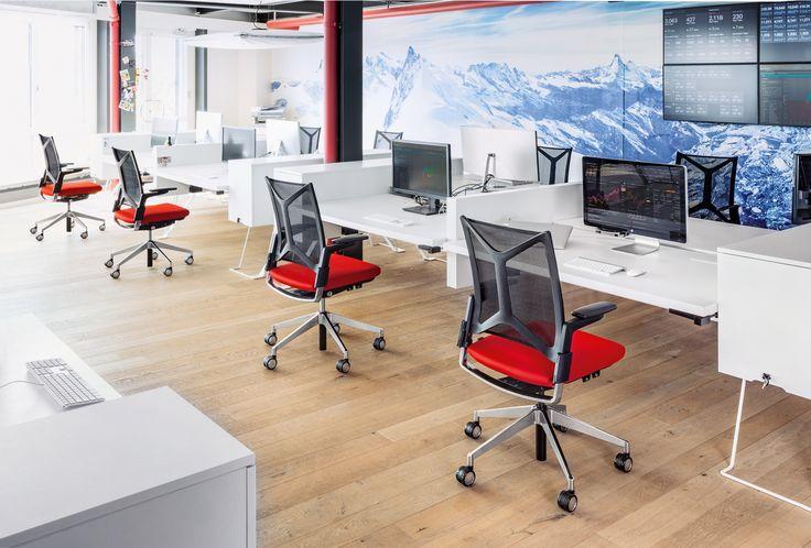 """Swivel chair """"Camiro"""". Design: Martin Ballendat #girsberger #furniture #architecture #interiors #interiordesign #interieur #möbel #meuble #design #architektur #Innenarchitektur #büro #büroeinrichtung #bürowelt #büroumgebung #büromöbel #bürogestaltung #bürostuhl #büroarbeitsstuhl #bürodrehstuhl #drehstuhl #möbeldesign #konferenzstuhl #konferenzraum #konferenzdrehstuhl #besucherstuhl #office #officeinteriors  #officenvironment #officefurniture #officedesign #officechair#swivelchair"""