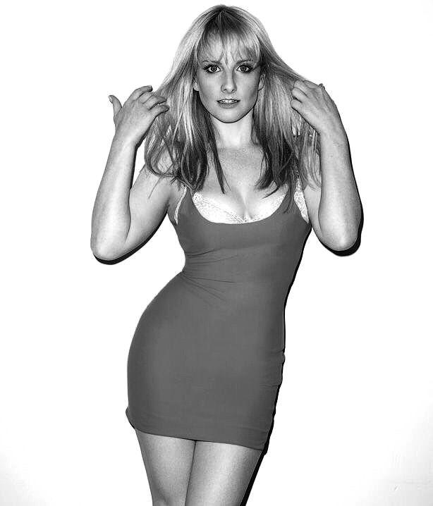 Melissa Rauch - Stunning beauty