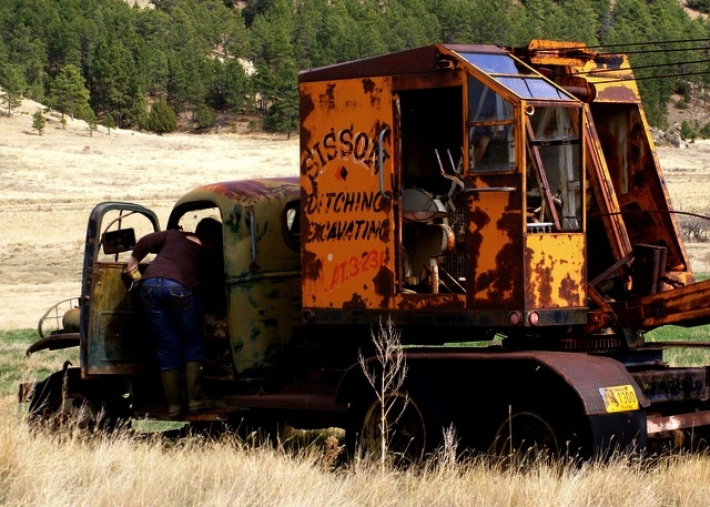 Old Heavy Equipment : Best images about abandoned a heavy equipment machinery