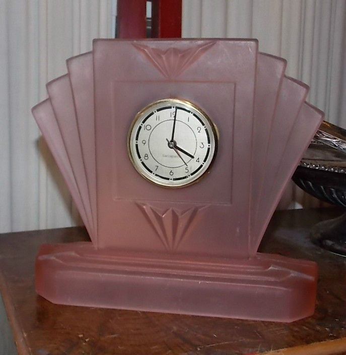 Sarsaparilla Art Deco Pink Glass Clock Design Art Deco