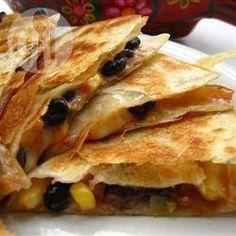 Quesadillas aux haricots noirs et au maïs @ qc.allrecipes.ca