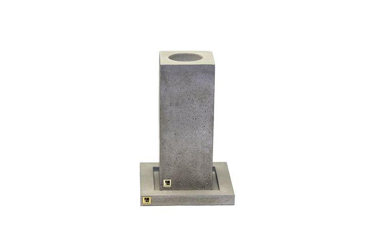 Zestaw świecznik Cobo Maxi   podstawka Kare z betonu architektonicznego