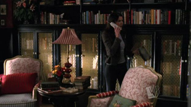 The library at the Dragonfly Inn. (From Gilmore Girls)
