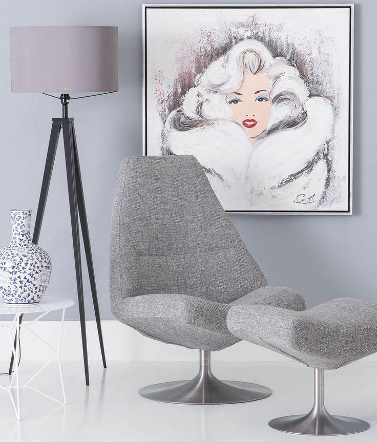 Deze fauteuil met strakke vormgeving staat super trendy in jouw huiskamer.