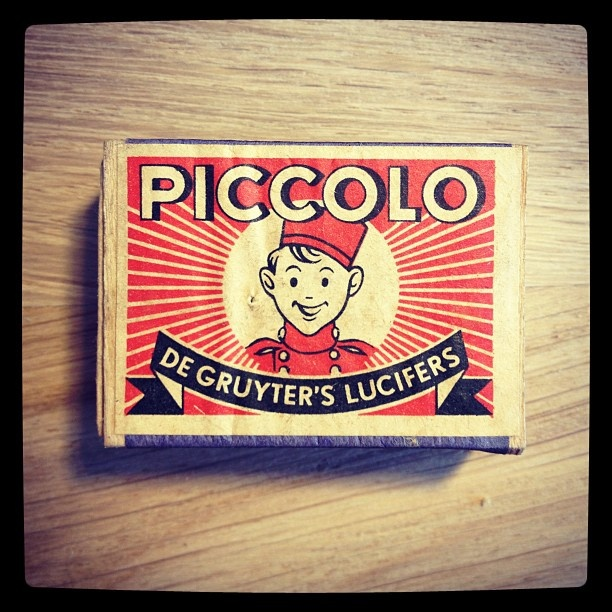 Piccolo - De Gruyter's Lucifers