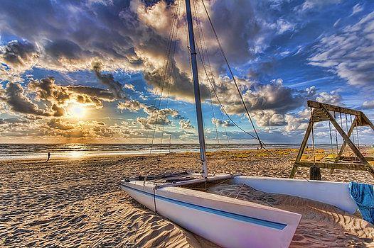 Nadia Sanowar - Sunset at the beach in Holland