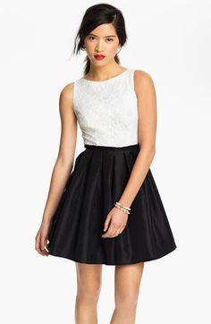 Pretty black dresses for juniors