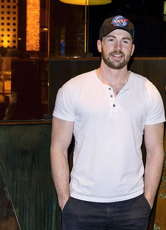 "samclaflinn: "" ""one year of chris evans "" ↪ day 265: at caesars palace in las vegas, 2016 """