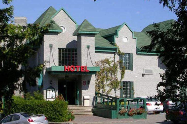 Hôtel Le Petit Manoir du Casino, La Malbaie, 2003