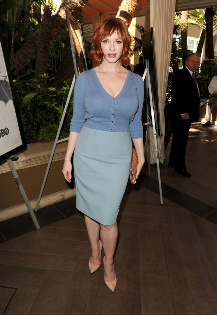 Christina Hendricks and Elisabeth Moss join Jon for a Hamm sandwich