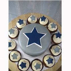 cowboys cake...my dream cake!!!  @gwen roe...can u make this?