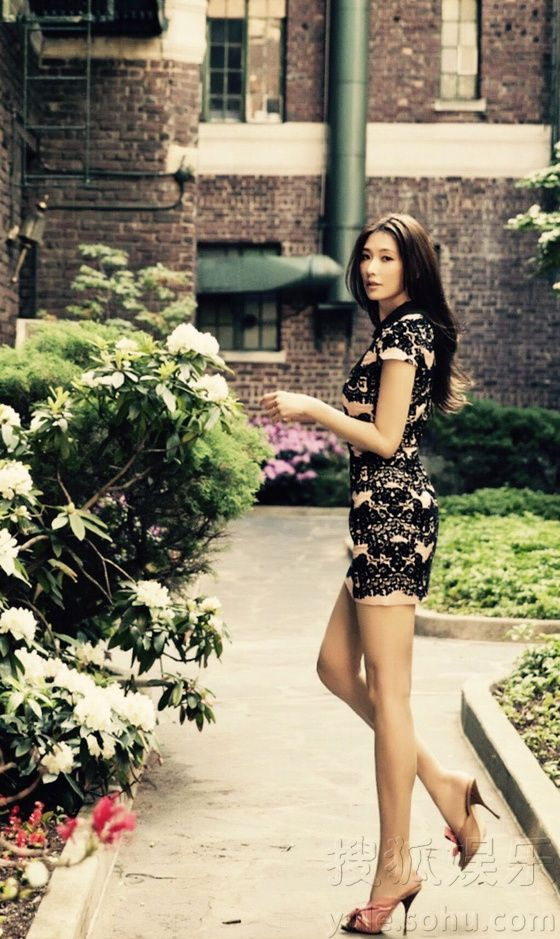 Taiwanese actress Lin Chiling  http://www.chinaentertainmentnews.com/2015/09/actress-lin-chiling-poses-for-photo.html