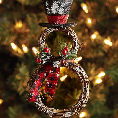 Vine Rings Snowman Ornament | TrinTravels_PugsPlay | Rustic Christmas