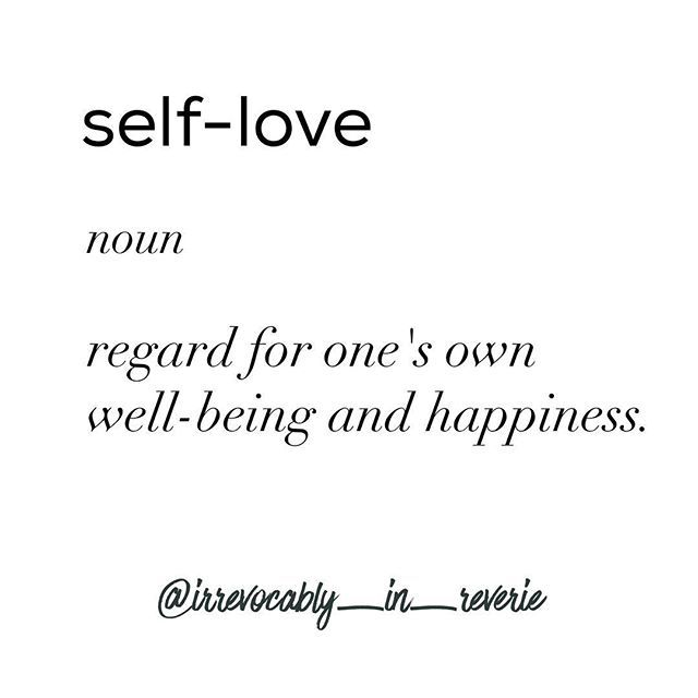 My only real goal for 2017 is to continue to learn how to love myself. It's going to be the year of self-love for me. Making yourself a priority is not selfish, it is necessary. ❤ ❤ ❤ ❤ #selflove #definition #loveyourself #irrevocablyinreverie #bodypositivity #bodypositive #goldenconfidence #bigandblunt #honormycurves #liveauthentic #flashesofdelight #recovery #eatingdisorderrecovery #edrecovery #edcommunity #orthorexiarecovery #words #wordstoliveby #wordsofwisdom #love #youcandoit #selfcare…