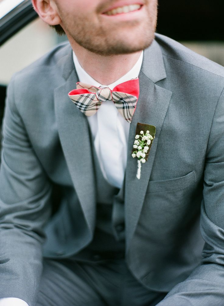 Burberry inspired bowtie: http://www.stylemepretty.com/2016/05/02/style-alert-were-bringing-bow-ties-back/
