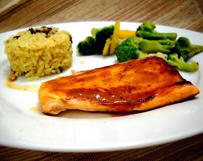 L O L A: Salmon glaseado con mostaza y miel