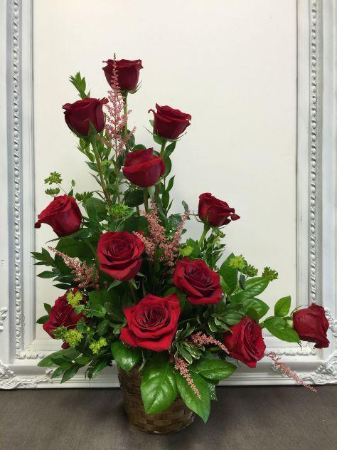 Beautiful Valentine Floral Arrangements Ideas 023
