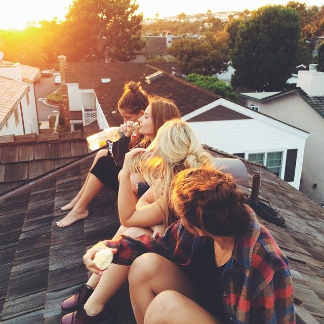 rooftop hangz in the Summer with friends