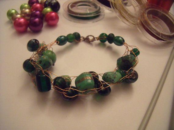 Chunky wire bracelet with glass beads