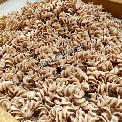Παραδοσιακά Ζυμαρικά  -  'Εμνοστον: Ελάτε στο εργαστήριο μας και με το δικό σας αλεύρι...