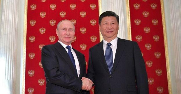 Putin, Çinli mevkidaşıyla Moskova'da bir araya geldi