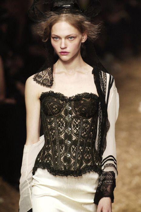 Sasha Pivovarova | Jean Paul Gaultier  #lace #corset # stunning