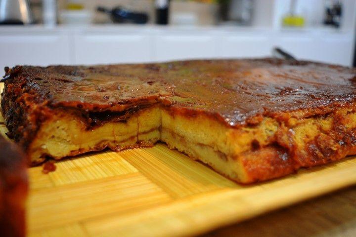 Una receta que se lleva haciendo muchos años en mi casa. Un postre sencillo y casero que os va a encantar. Puedes ver la receta escrita en: http://www.cocina-familiar.com/pudding-de-manzana/