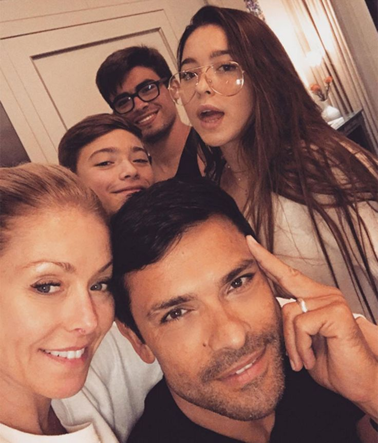 Kelly Ripa Is One Happy Mama When Her Three Kids Come Back Together for Family Day | E! News