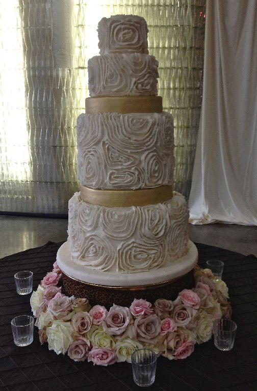 Sweet Divine Bakery St Louis Mo Unique Wedding Cakesgold
