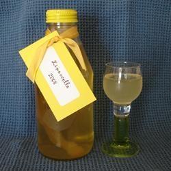 Receita de Limoncello (licor italiano de limão) - Receitas do Allrecipes Brasil