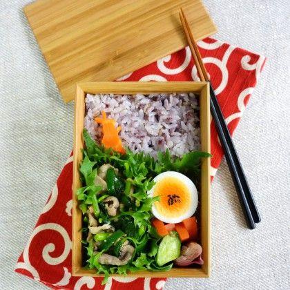 Pork and mitsuba stir-fry bento・豚肉と根三つ葉の炒め物弁当