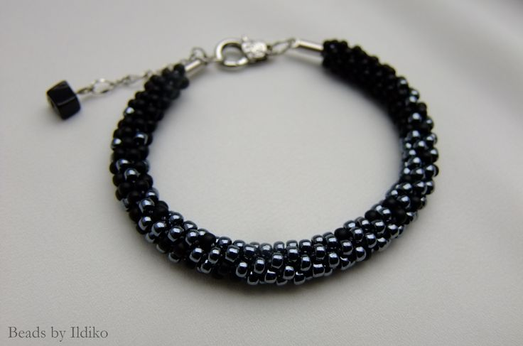 KUMIHIMO bracelet with matte black and hematit seed beads