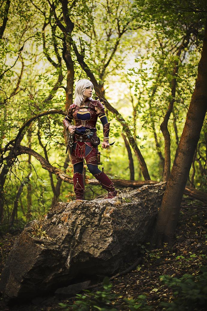 Awesome Cosplay/LARP/whatever; no matter which, this is a beautifual remake of a costume in the manual. - Pathfinder Rogue Cosplay Melody Tripp