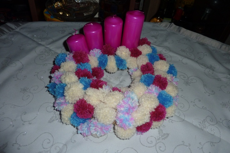 wreath from pompons