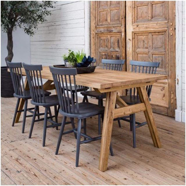 Baron matbord i rustik ek! 5990:- Birka stol 990:- #matgrupp #matbord #stol #ek #möbler #möbelnet
