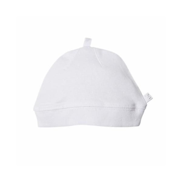 This sweet beanie hat matches back with the rest of Bebe's gorgeous White SpotåÊrange, making it the perfect finishing touch. Easy round shape, made from soft cotton, in a sweet simpleåÊprint. Available in three sizes: XXXS = P-NB (31cm) XXS = NB-3m (34cm) XS = 3m-6m (37cm)