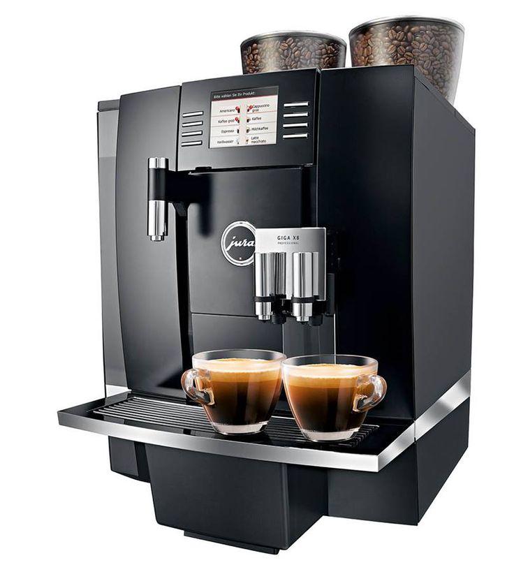 Elegancki i wydajny ekspres do kawy GIGA X8 Professional wyprodukowany przez firmę Jura. Nasz ekspres to gwarancja wyśmienitej kawy przyrządzonej w ultranowoczesnym sprzęcie. Model sprawdza się doskonale w restauracjach, kawiarniach, hotelach i pensjonatach.