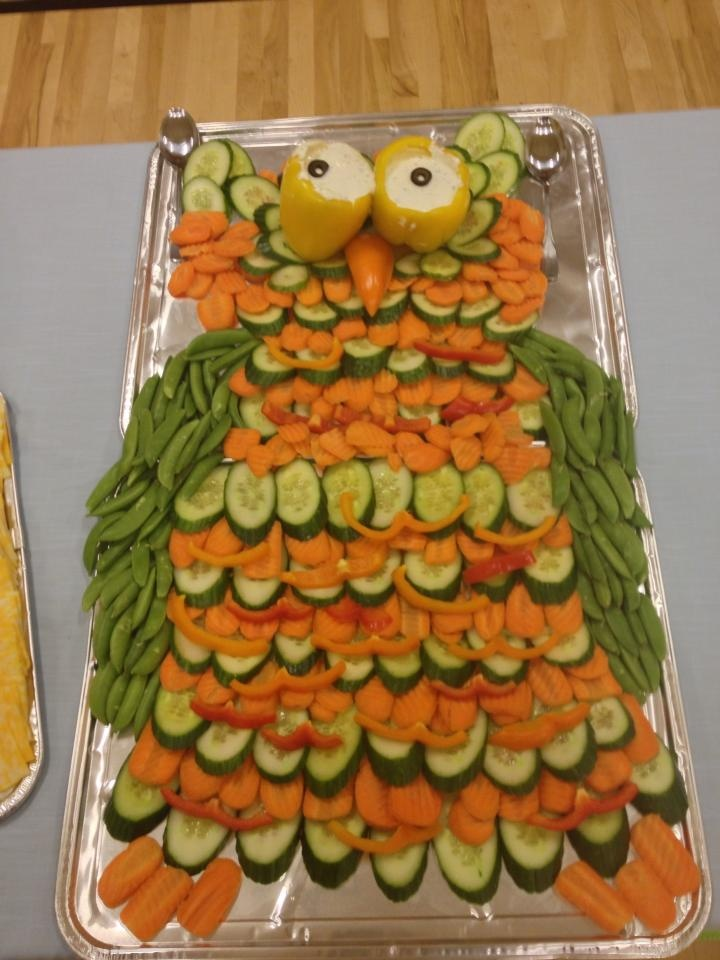 """Owl"" veggie tray"