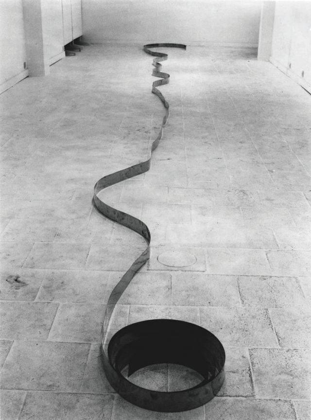 Carl Andre, 1935
