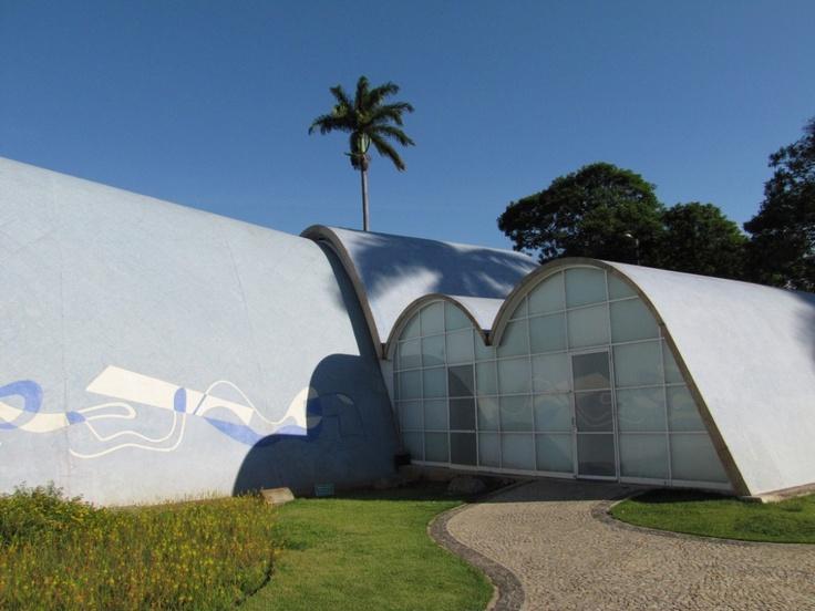 Clásicos de Arquitectura: Iglesia de Pampulha / Oscar Niemeyer Clásicos de Arquitectua: Iglesia de Pampulha / Oscar Niemeyer (11) – ArchDaily México